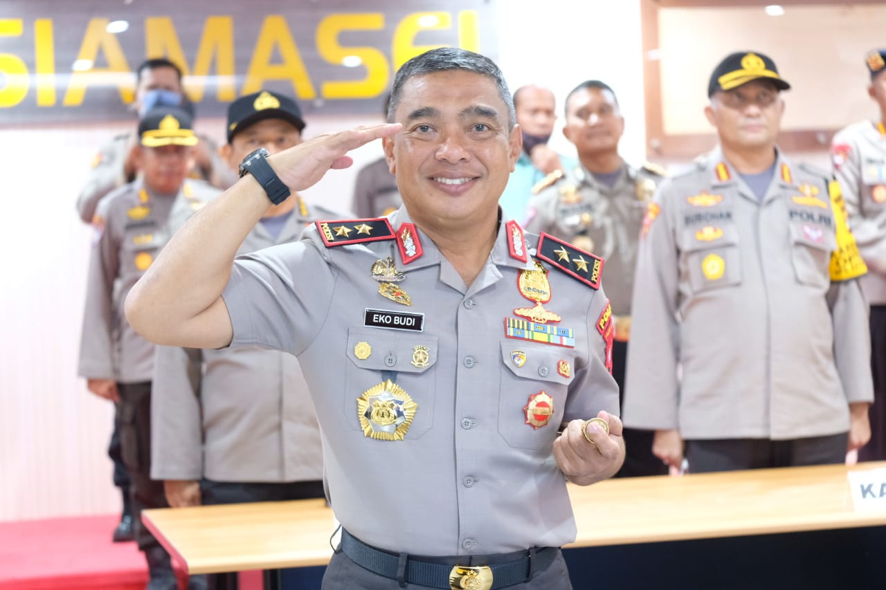 Upacara Korps Rapat Kapolda dan Wakapolda Sulbar Melalui Vicon