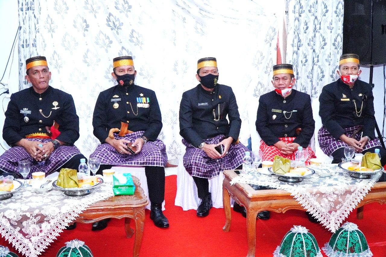 img Kepolres Majene dan Ketua Bhayangkari Berucap Selamat Hari Jadi Majene ke 475