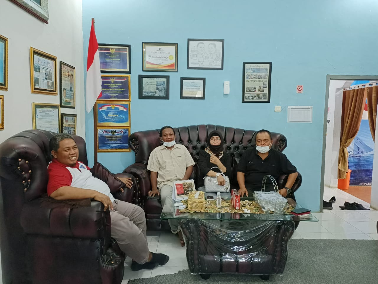 img Pelayanan PTSP Mamuju dikeluhkan, Warga Jakarta Ini melapor ke Ombudsman