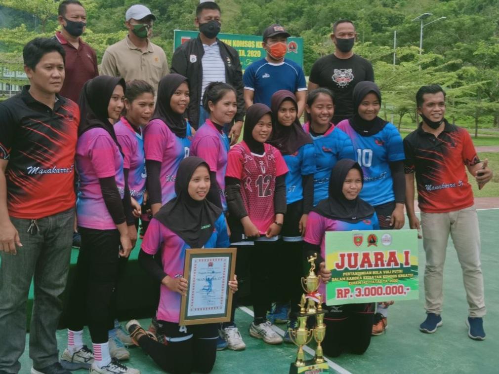 Gambar Manakarra 57 juara voli Komsos Kreatif Korem 142/Tatag