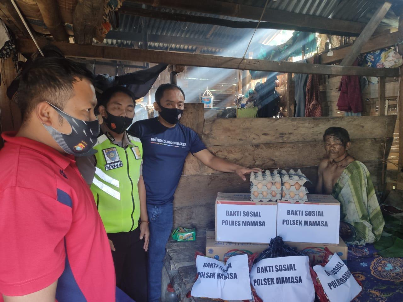 Polres Mamasa Salurkan Bantuan pada Korban Kebakaran di Mamasa