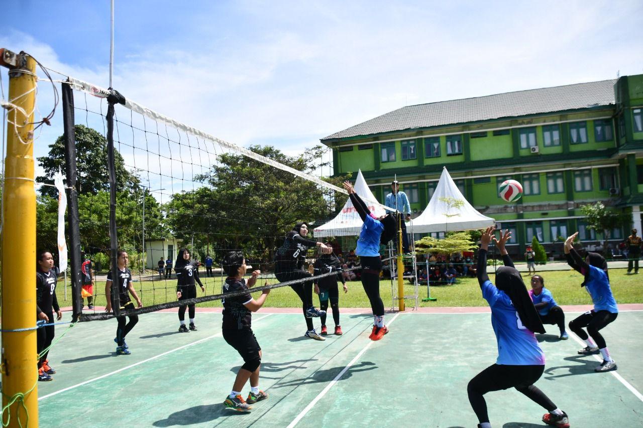 Seru Babak Semi Final Turnamen bola volly Putri Korem 142/Tatag