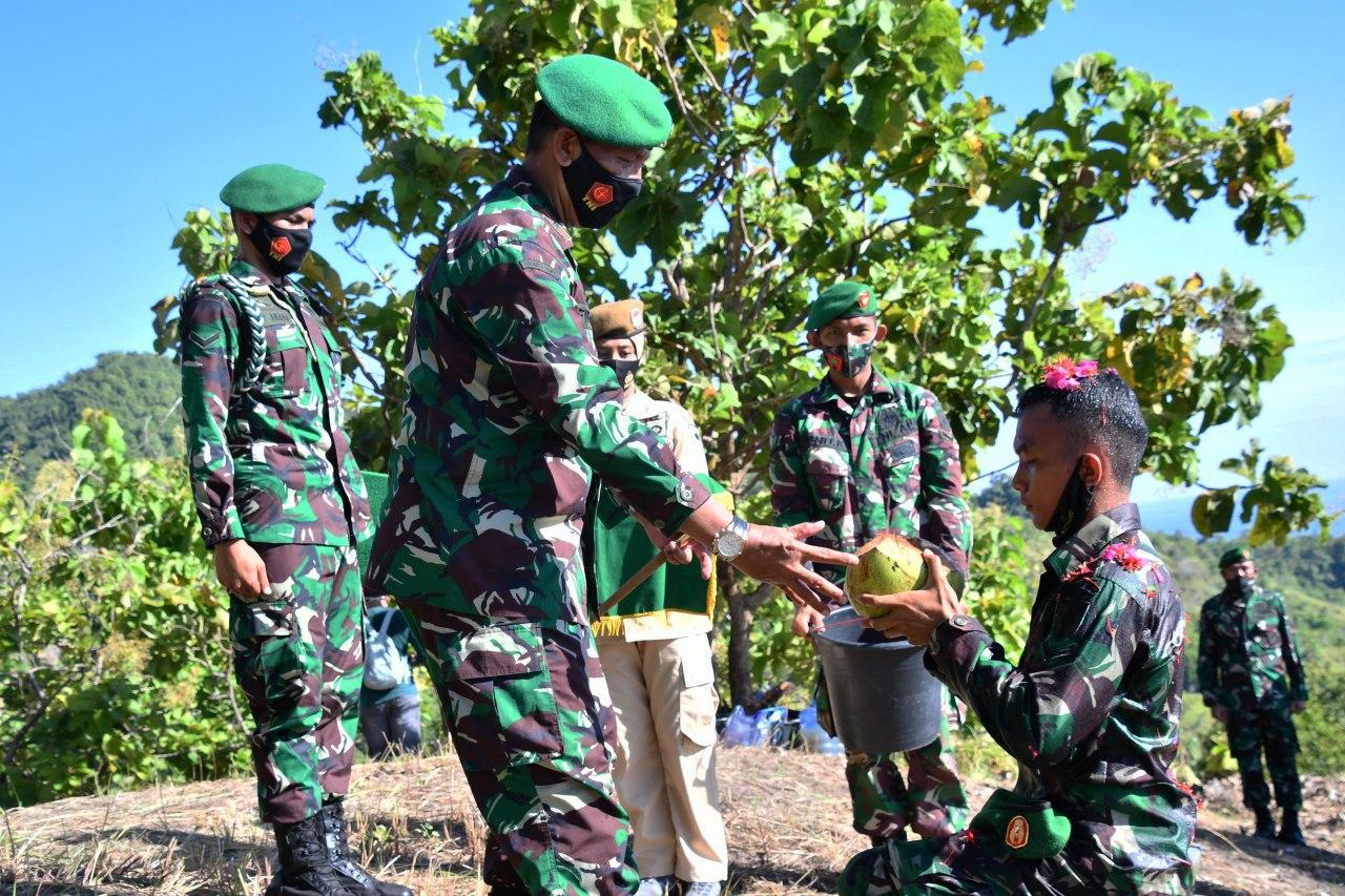 Gambar 164 orang personel baru dikukuhkan di bukit Korem 142/Tatag