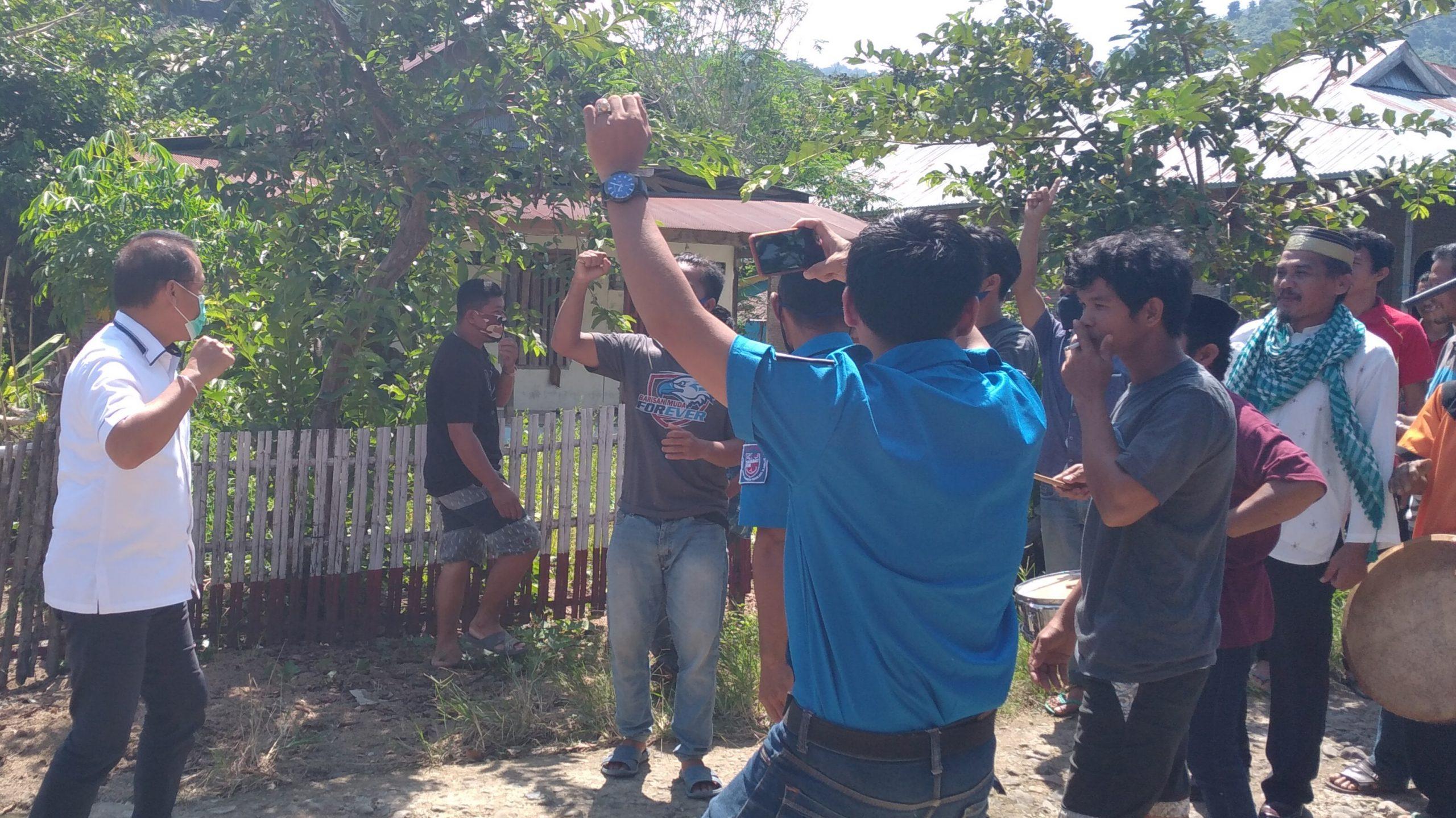 Gambar Reses di Pamulukang, SDK Disambut Parrabana