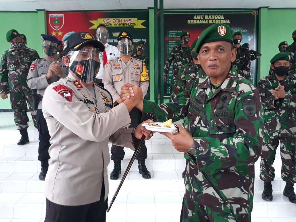 Gambar Polres Majene Beri Surprise ke  Kodim dan Kompi 721