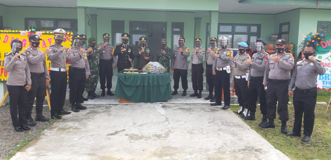 Gambar Polres Pasangkayu Beri Kejutan di HUT TNI Ke-75