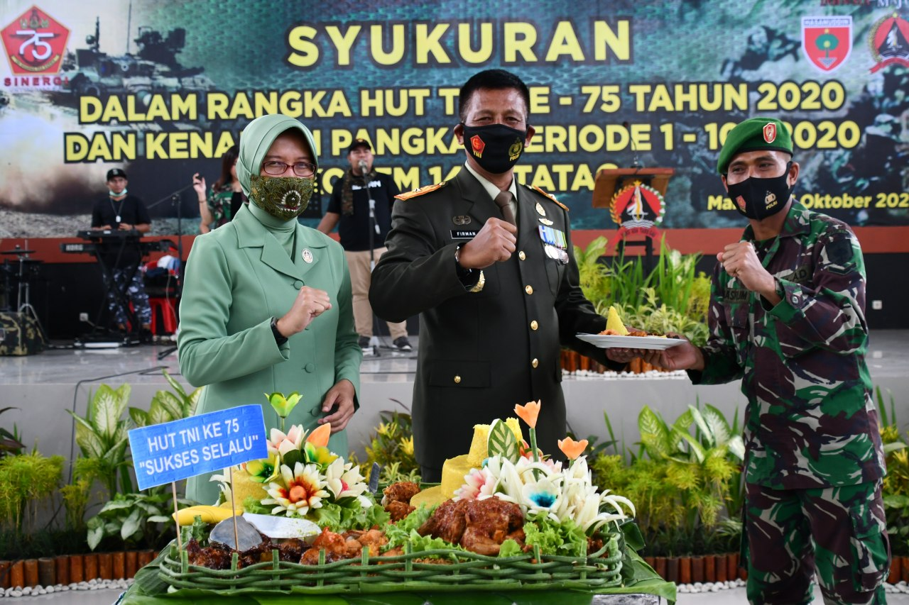 Syukuran HUT TNI di Korem 142/Tatag