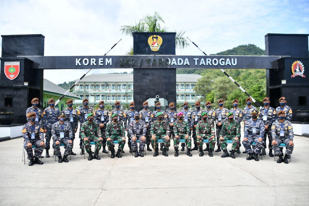 Taruna Akademi Angkatan Laut Silaturahmi Korem 142/Tatag