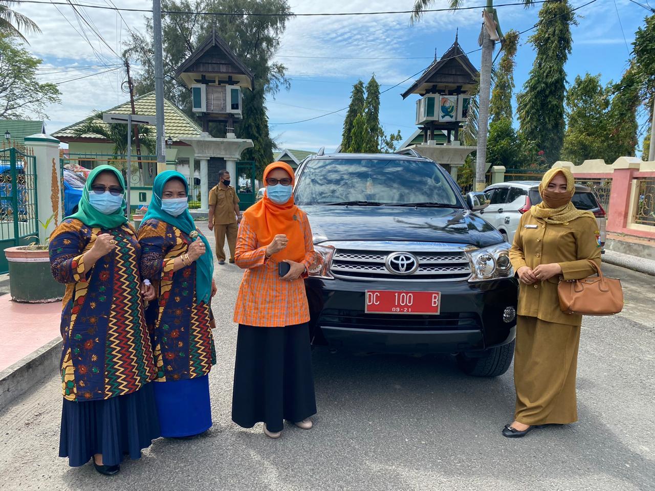 img Ini Klarifikasi Mobil Plat Merah Dituding Digunakan Bagi-bagi Sembako oleh Salah Satu Paslon