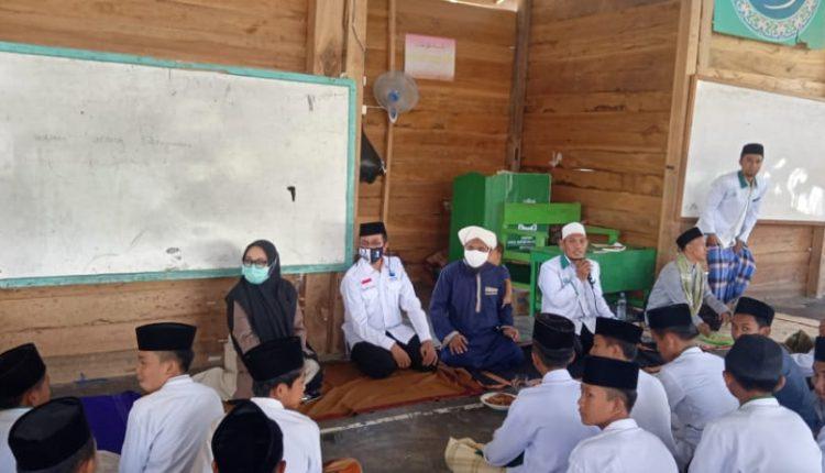 img Hari Santri Nasional, Tina-Ado Silaturahmi ke Ponpes