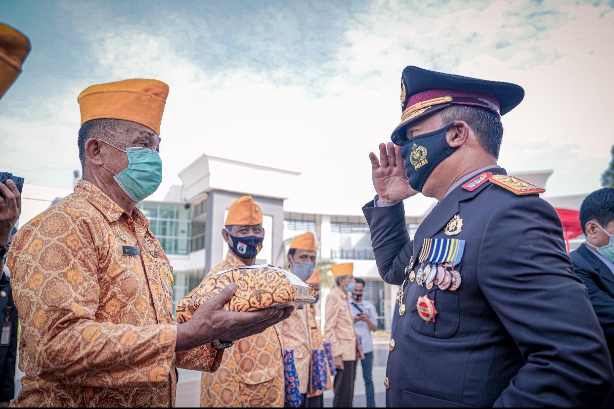 Hari Pahlawan ke-75, Kapolda Sulbar jadi Irup Upacara Tabur Bunga