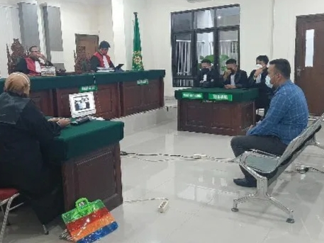 img JPU Tuntut Lurah Rangas, Denda Rp3 Juta Subsider 3 Bulan Penjara