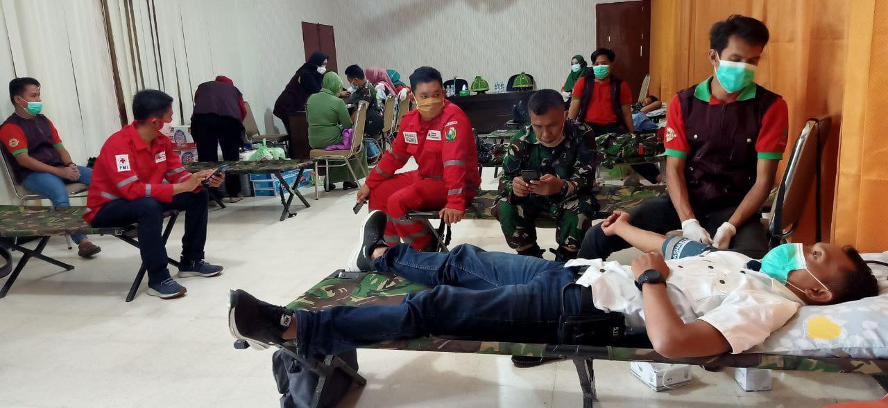img Peringati Hari Juang TNI, Personel Makodim Majene Berdonor Darah